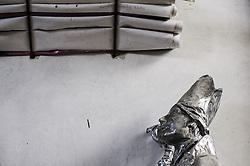 STATUA IN CARTAPESTA E PROGETTI.<br /> Il carnevale di Gallipoli è tra i più noti della Puglia. La sua tradizione è antichissima ed è documentata, oltre che in atti e documenti settecenteschi, anche da radici folcloristiche che affondano le origini in epoca medioevale, tramandate fino ad oggi dallo spirito popolare. La prima edizione (per come la conosciamo) risale al 1941; nel 2014 sarà l'edizione numero 73.<br /> La manifestazione carnascialesca è organizzata dall' Associazione Fabbrica del Carnevale, nata nel febbraio 2013 con la finalità diorganizzare, promuovere e riportare in auge il Carnevale della Cittàdi Gallipoli. L'Associazione raccoglie al suo interno i maestri cartapestai Gallipolini e tanti giovani artisti, che vogliono valorizzare il Carnevale della città bella. Presidente dell'Associazione è Stefano Coppola.<br /> La manifestazione ha inizio il 17 gennaio, giorno di sant'Antonio Abate (te lu focu = del fuoco), con la Grande Festa del Fuoco, quando si accende con la tradizionale focara, un grande falò di rami d'ulivo. L'ultima domenica di carnevale e il martedì grasso lungo corso Roma, nel centro cittadino, si svolge la sfilata dei carri allegorici in cartapesta e dei gruppi mascherati corso Roma davanti a migliaia di spettatori provenienti da tutta la provincia di Lecce e da città pugliesi. Il tema dell'edizione di quest'anno è un omaggio a Walter Elias Disney.<br /> <br /> STATUE IN CARDBOARD AND PROJECTS.<br /> The Carnival of Gallipoli is among the best known of Puglia. Its tradition is very old and is documented , as well as records and documents in the eighteenth century , as well as folkloric roots that sink their roots in medieval times , handed down today by the popular spirit . The first edition dates back to 1941 and in 2014 will be the edition number 73 .<br /> The carnival is organized by the Association of Carnival Factory , founded in February 2013 with the objective to organize, promote and revive the Carnival of the city of Gallipoli.