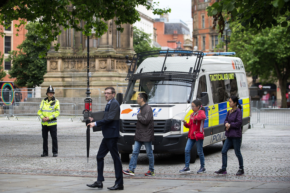 © Licensed to London News Pictures . 30/06/2016 . Manchester , UK . Police and security preparations outside Manchester Town Hall in Albert Square ahead of tomorrow's Somme100 commemorations , at which Manchester will see extended ceremonies to commemorate the 100th anniversary of the first day of the Battle of the Somme . Photo credit : Joel Goodman/LNP