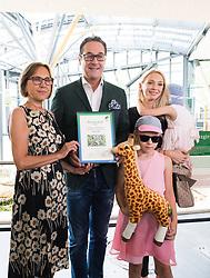 """27.06.2017, Tiergarten Schönbrunn, Wien, AUT, Übernahme Giraffen Patenschaft im Tiergarten Schönburnn durch FPÖ Bundesobmann Strache mit Frau Philippa. im Bild v.l.n.r. Tiergarten-Direktorin Dagmar Schratter Klubobmann FPÖ Heinz-Christian Strache mit seiner Frau Philippa und Kindern // Zoo Director Dagmar Schratter (L) during Leader of the austrian right wing party FPOe Heinz Christian Strache and his wife Philippa taking a sponsorship for giraffes at the zoo vienna """"Schoenbrunn"""" in Vienna, Austria on 2017/06/27. EXPA Pictures © 2017, PhotoCredit: EXPA/ Michael Gruber"""