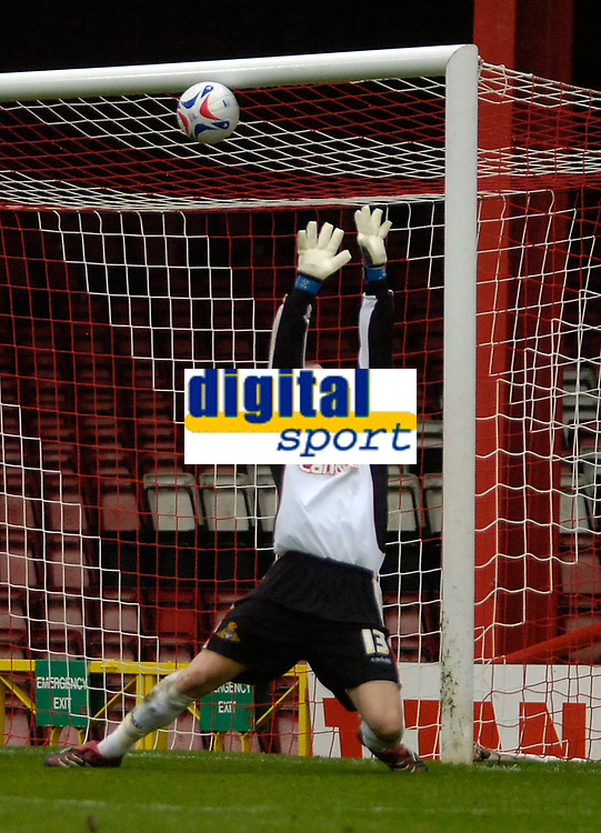 Photo: Ed Godden.<br />Bristol City v Doncaster Rovers. Coca Cola League 1. 28/10/2006. Doncaster keeper Ben Smith fails to save Louis Carey's shot, making in it 1-0.