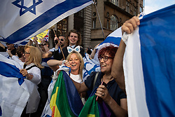 © Licensed to London News Pictures. 10/06/2018. London, UK. Jewish and pro-Israeli protesters block the route of the annual Al Quds day march in support of the Palestinian cause, in central London. Photo credit: Joel Goodman/LNP