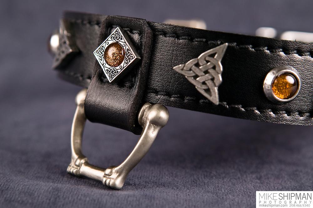 Bon Christiani dog collar, product shot close up of leash attachment point