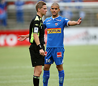 Fotball <br /> Adeccoligaen<br /> Gjemselunden Stadion <br /> 23.09.2012<br /> Kongsvinger  v Sandefjord Fotball  2-0<br /> Foto: Dagfinn Limoseth, Digitalsport<br /> Dommer Espen Eskås , Haslum.<br /> Kamal Saaliti , Sandefjord.