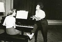 1954 Rita Morino sings at the Hollywood Studio Club