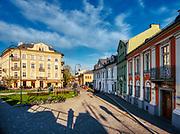 Ulica Józefińska w Krakowie – ulica w Krakowie, w dzielnicy Podgórze, przebiegająca od ulicy Brodzińskiego do ulicy Lwowskiej.<br /> Jest jedną z najstarszych ulic w pierwotnym układzie urbanistycznym miasta Podgórza. Wytyczono ją po nadaniu Podgórzu praw miejskich w 1784, w miejscu dawnego traktu wiodącego w kierunku Wieliczki.<br /> W latach 1941-1943 ulica Józefińska znajdowała się w obrębie krakowskiego getta. (wiki)