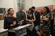 Stella McCartney, Dave Mathews, Chrissie Hynde and Mary McCartney. PETA's Humanitarian Awards, Stella McCartney, Bruton Street, London, W1. 28 June 2006. ONE TIME USE ONLY - DO NOT ARCHIVE  © Copyright Photograph by Dafydd Jones 66 Stockwell Park Rd. London SW9 0DA Tel 020 7733 0108 www.dafjones.com