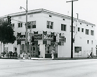 1977 Winchell's Donuts at Larchmont & Beverly Blvd.