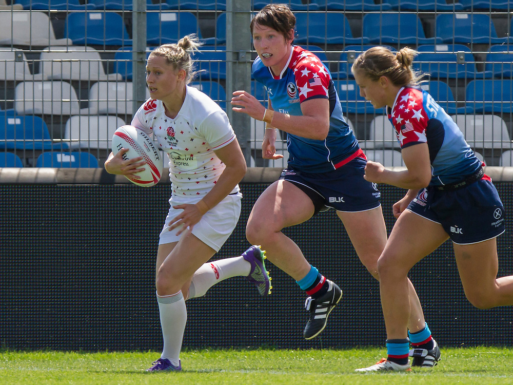Natasha Hunt in action, World Rugby Women's HSBC Sevens Series, Clermont Ferrand, Day 1, at Stade Gabriel Montpied, Clermont Ferrand, France, on 28th May 2016