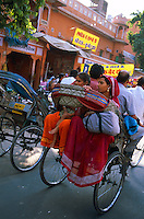 Inde. Rajasthan. Jaïpur. Rikshaw, velo taxi. // India. Rajasthan. Jaipur. Rikshaw, cycle-taxi