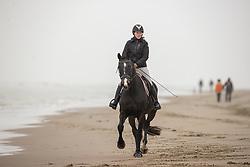 Strand wandeling, De Keersmaecker Jolien, BEL, Morumbi CD<br /> Oostduinkerke Bad 2020<br /> © Hippo Foto - Dirk Caremans<br /> 29/11/2020