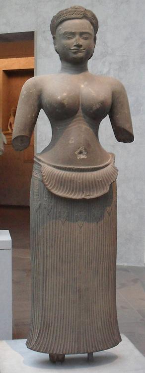 Female divinity. late 9th, early 10th century. Bakheng style (900-925) sandstone sculpture from Cambodia, Phnom Bakheng (Angkor) (Sanctuary)