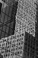 New york - Mobil  Building mirror reflection on Madison avenue  New York, Manhattan - United states / reflets miroir  du Mobil Building   Manhattan, New York - Etats-unis
