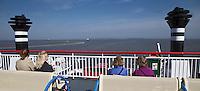 HOLWERD - passagiers op weg naar Ameland . t de veerboot tussen  Holwerd en Ameland. COPYRIGHT KOEN SUYK