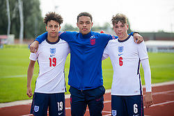 NEWPORT, WALES - Friday, September 3, 2021: England's trio of Liverpool players (L-R) Kaide Gordon, Lee Jonas and Luke Chambers pose for a picture after an International Friendly Challenge match between Wales Under-18's and England Under-18's at Spytty Park. The game ended in a 1-1 draw. (Pic by David Rawcliffe/Propaganda)