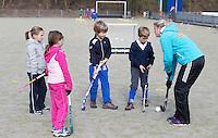 VELP - Jolein Abbas. Hockey clinic van GoGrip op de velden van de Arnhemse Hockey Club. COPYRIGHT KOEN SUYK