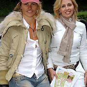 NLD/Vierhouten/20050530 - Society vrouwen rijden de BeauMonde Rally 2005, Judith Heinsbroek - Wiersma en Anita van der Hoeven