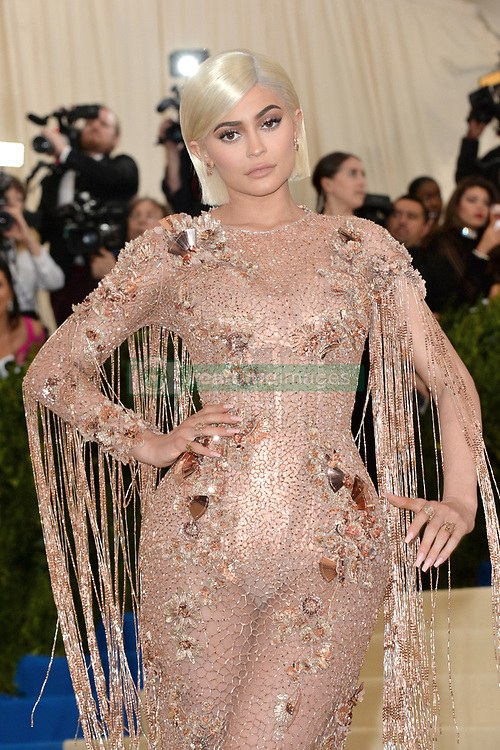 Kylie Jenner arriving on the red carpet at the Costume Institute Benefit at The Metropolitan Museum of Art celebrating the opening of Rei Kawakubo/Comme des Garcons: Art of the In-Between in New York City, NY, USA, on May 1, 2017. Photo by Aurore Marechal/ABACAPRESS.COM  | 591269_210 New York City Etats-Unis United States