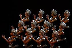 September 25, 2017 - Colombo, Sri Lanka - A group of Chinese dancers perform during the 'Guanxi' cultural festival to mark the 60th anniversary of the establishment of diplomatic relations between Sri Lanka and China at Colombo, Sri Lanka on Monday 25 September 2017  (Credit Image: © Tharaka Basnayaka/NurPhoto via ZUMA Press)