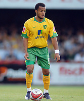 Fotball<br /> England<br /> Foto: Colorsport/Digitalsport<br /> NORWAY ONLY<br /> <br /> Simon Whaley (Norwich) <br /> <br /> Brentford v Norwich City 18/08/2009