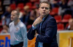 02-10-2016 NED: Supercup Abiant Lycurgus - Coniche Topvolleybal Zwolle, Doetinchem<br /> Lycurgus wint de Supercup door Zwolle met 3-0 te verslaan / Coach Arjan Taaij