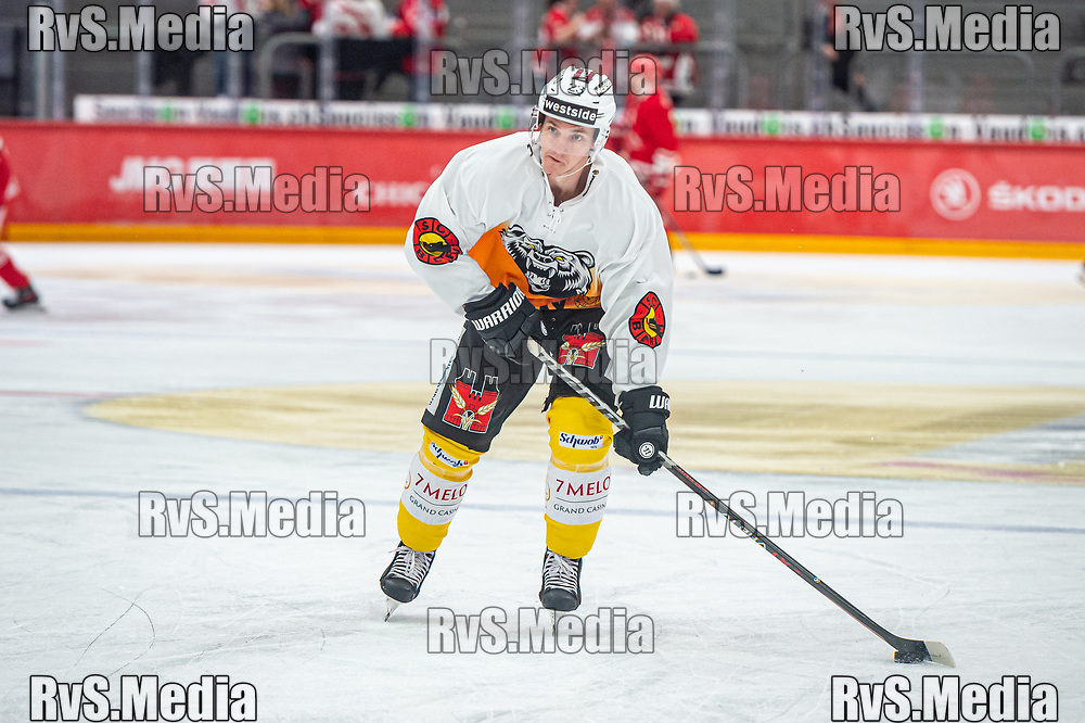 LAUSANNE, SWITZERLAND - SEPTEMBER 28: Timothy Kast #23 of SC Bern warms up prior the Swiss National League game between Lausanne HC and SC Bern at Vaudoise Arena on September 28, 2021 in Lausanne, Switzerland. (Photo by Monika Majer/RvS.Media)