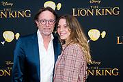 Nederlandse galapremiere van de Disney-klassieker Lion King in Pathe Tuschinski, Amsterdam.<br /> <br /> Op de foto:  Eric van Tijn met zijn dochter Dana van Tijn
