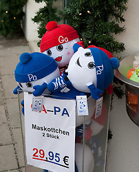 04.02.2011, Garmisch Partenkirchen, GER, FIS Alpine World Championships Garmisch Partenkirchen, Vorberichte, im Bild Preview images for the 2011 Alpine skiing World Championships. The GAPA mascots available for purchase, EXPA Pictures © 2011, PhotoCredit: EXPA/ M. Gunn