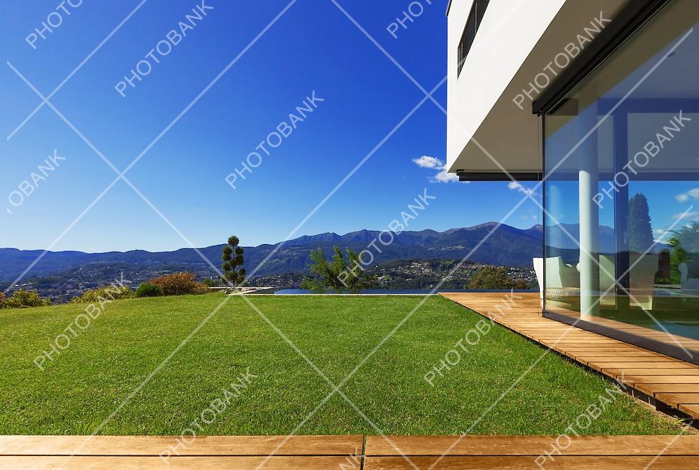 Villa, infinity swimming pool in the garden