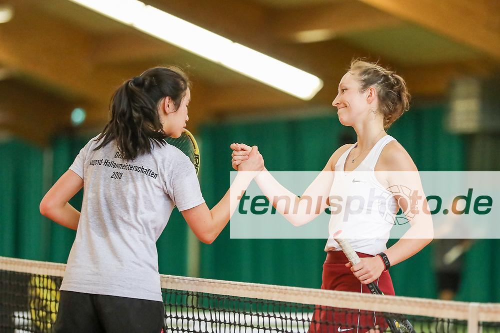 Julia Zhu (Tennis-Club SCC Berlin) und Juliane Triebe (Berliner Sport-Verein 1892), TVBB Hallen-Verbandsmeisterschaften Damen und Herren 2020, Seeburg, 16.02.2020, Foto: Claudio Gärtner