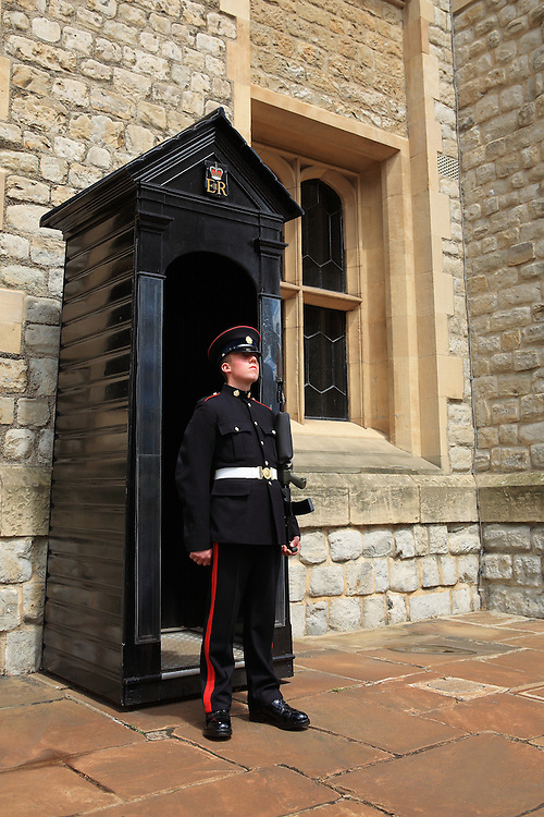 Tower Of London - Jewel House Guard - London