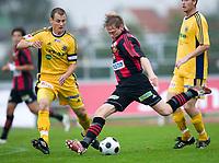 Fotboll, superettan, Ängelholm - Brommapojkarna: Joakim Runnemo skjuter förbi Jacob Augustsson<br /> <br /> Norway only