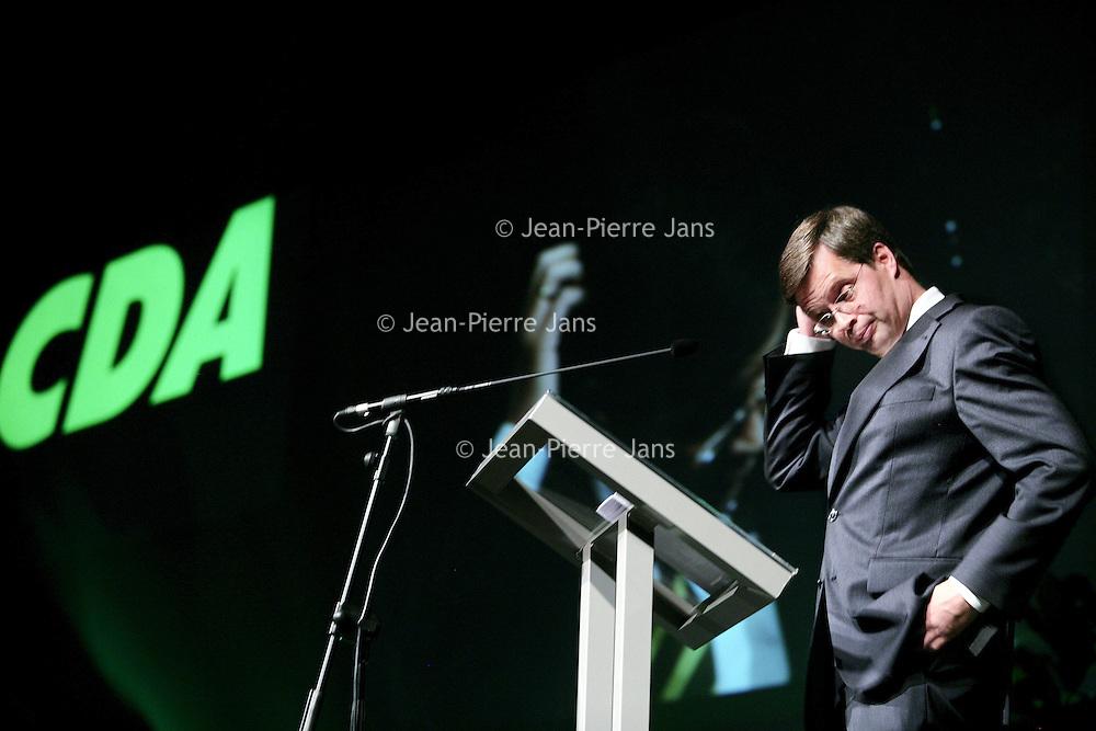 Nederland,Utrecht ,10 november 2007.<br /> Premier Jan Peter Balkenende tijdens zijn toespraak op de CDA Partijcongres in het Beatrixgebouw van de Jaarbeurs.<br /> (linksboven). Jan Peter Balkenende wordt genoemd als kandidaat voor het eerste Europees Voorzitterschap.<br /> Prime Minister Jan Peter Balkenende during his speech.  The Dutch prime minister's name continues to be mentioned in the corridors of power in Brussels as the first  permanent president of the EU.