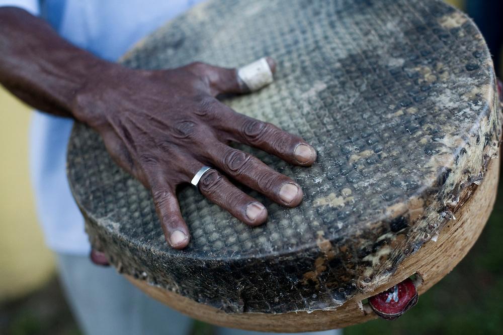 Macapa_AP, Brasil...Comunidade remascente de quilombolas do Curiau, em Macapa, Amapa. Na foto os quilombolas tocando pandeiro na danca tipica Marabaixo...The Quilombola remaining of Curiau, in Macapa, Amapa. In this photo .They are playing tambourine for the typical dance Marabaixo...Foto: JOAO MARCOS ROSA / NITRO