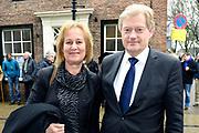 De Nederlandse Bachvereniging brengt dit jaar vijf uitvoeringen van de Matthäus-Passion in de Grote Kerk in Naarden .<br /> <br /> Op de foto:  Martin van Rijn en partner