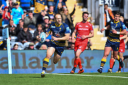 Chris Pennell of Worcester Warriors runs in a try - Mandatory by-line: Craig Thomas/JMP - 13/04/2019 - RUGBY - Sixways Stadium - Worcester, England - Worcester Warriors v Sale Sharks - Gallagher Premiership Rugby