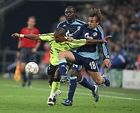 Photo: Maarten Straetemans/Sportsbeat Images.<br /> Shalke 04 v Chelsea. UEFA Champions League. 06/11/2007.<br /> Florent Malouda of Chelsea with Asamoah and Refinha of Schalke