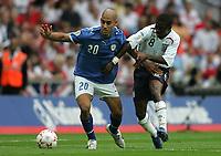 Photo: Lee Earle.<br /> England v Israel. UEFA European Championships Qualifying. 08/09/2007.England's Shaun Wright-Phillips (R) battles with Yaniv Katan.