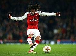 Mohamed Elneny of Arsenal shoots at goal - Mandatory by-line: Robbie Stephenson/JMP - 15/03/2018 - FOOTBALL - Emirates Stadium - London, England - Arsenal v AC Milan - UEFA Europa League Round of 16, Second leg