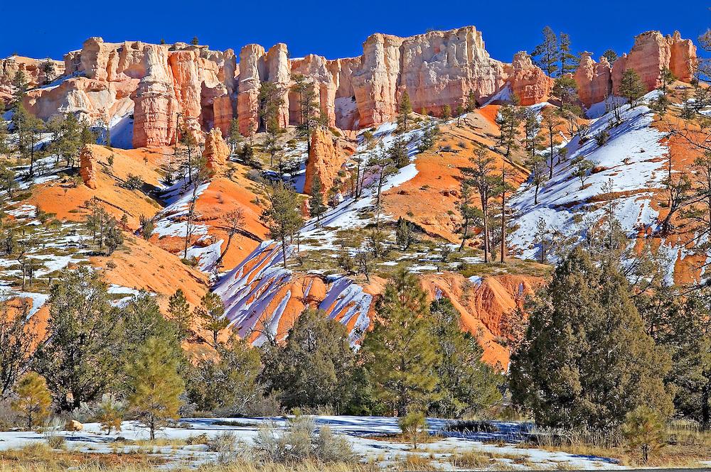 Hoodoos and snow at Bryce Canyon National Park, Utah
