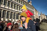 Gent, Belgie, Dec 12, 2014, 14.000 Gentenaars vieren hun nieuwjaarsdrink in het centrum.