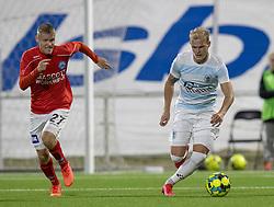 Philip Rejnhold (FC Helsingør) følges af Sebastian Jørgensen (Silkeborg IF) under kampen i 1. Division mellem FC Helsingør og Silkeborg IF den 11. september 2020 på Helsingør Stadion (Foto: Claus Birch).