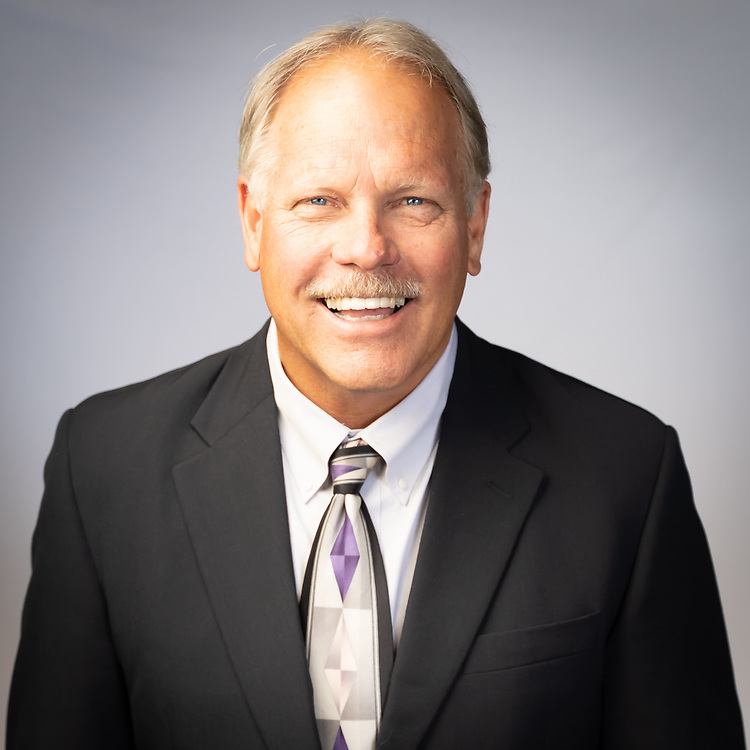 Executive portrait of Dan Mallack, Twilight Luxury Homes Division VP, created by Rad5 Media. Photo by Mike Radigan.