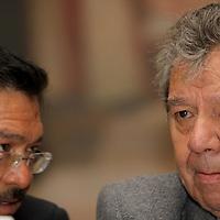 """Toluca, Mex.- Porfirio Muñoz Ledo, diputado federal durante su participación en la conferencia denominada """"México entre una posible crisis constitucional o la consolidación de un verdadero sistema democrático"""" aseguro que hoy en día existen dos """"Mexicos"""", uno  que promueve el gobierno federal de Felipe Calderón  y el otro, más real en el que el poder es ejercido por la delincuencia organizada. Agencia MVT / Crisanta Espinosa. (DIGITAL)<br /> <br /> NO ARCHIVAR - NO ARCHIVE"""