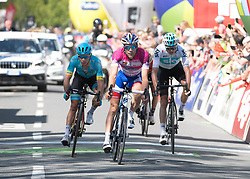 20.04.2018, Innsbruck, AUT, Tour of the Alps, Österreich, 5. Etappe, von Rattenberg nach Innsbruck (164,2 km), im Bild v.l. Moreno Miguel Angel Lopez (COL, Astana Pro Team) Thibaut Pinot (FRA, Groupama - FDJ), Christopher Froome (GBR, Team Sky) // f.l. Miguel Angel Lopez Moreno of Colombia (Astana Pro Team) Thibaut Pinot of France Team Groupama - FDJ Christopher Froome of Great Britain Team Sky during 5th stage from Rattenberg to Innsbruck of 2018 Tour of the Alps in Innsbruck, Austria on 2018/04/20. EXPA Pictures © 2018, PhotoCredit: EXPA/ Reinhard Eisenbauer