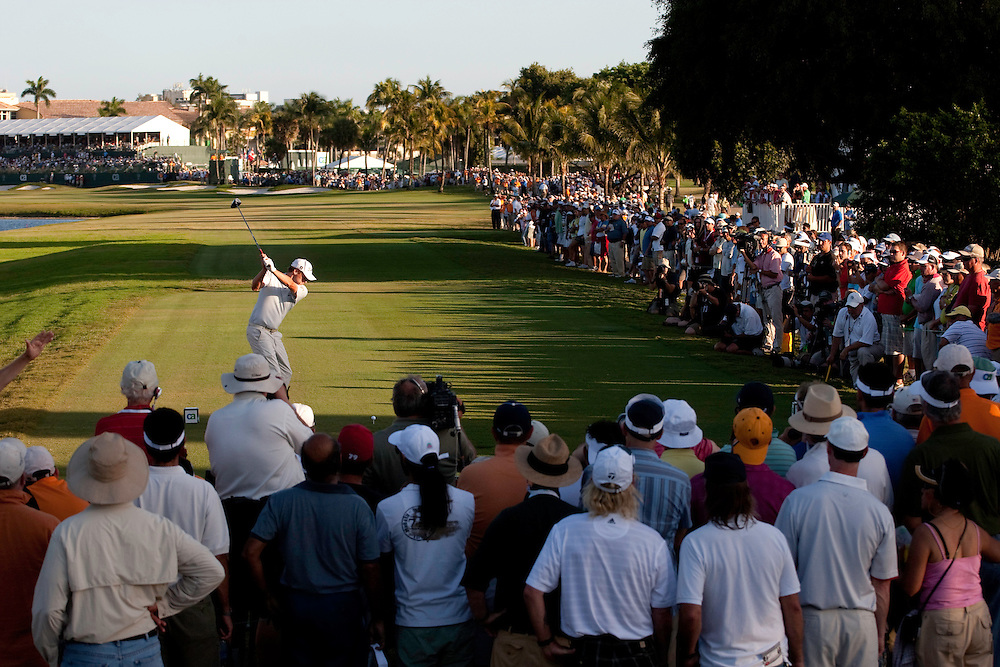 DORAL, FL - MARCH 15:  Nick Watney hits his tee shot in front of the gallery during the fourth round of the 2009 WGC-CA Championship at Doral Golf Resort and Spa in Doral, Florida on Sunday, March 15, 2009. (Photograph by Darren Carroll) *** Local Caption *** Nick Watney