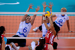 01-09-2012 ZITVOLLEYBAL: PARALYMPISCHE SPELEN 2012 USA - SLOVENIE: LONDEN.In ExCel South Arena wint USA van Slovenie / Suzana OCEPEK, Stefka TOMIC.©2012-FotoHoogendoorn.nl.