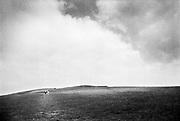 Engeland, England, Windsor, 25-8-1996 Omgeving van windsor castle .Wandelaars op een heuvelachtig terrein .Foto: Flip Franssen