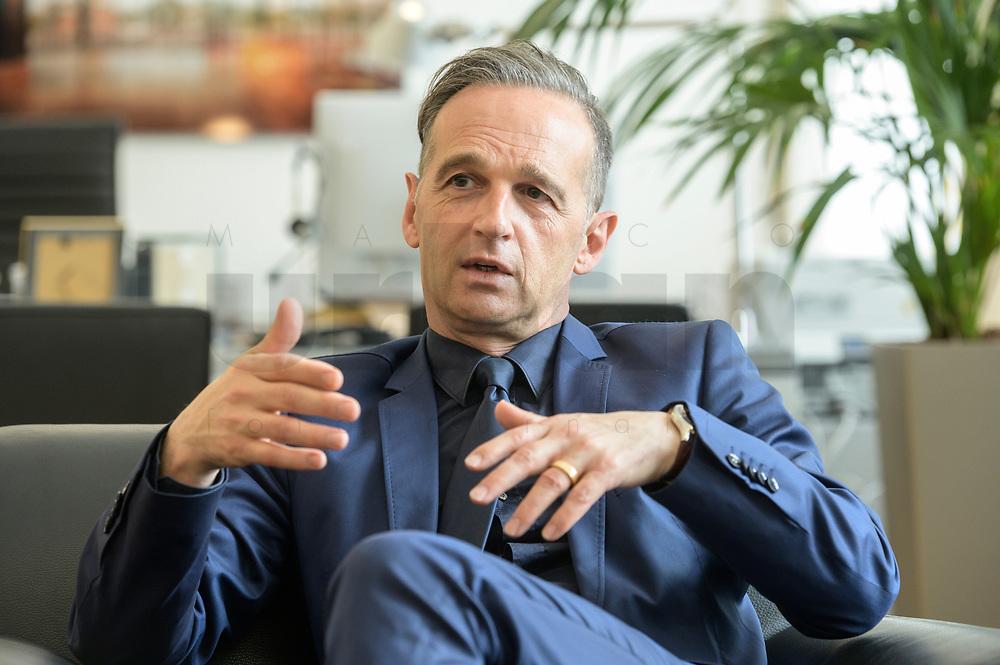 24 JUL 2020, BERLIN/GERMANY:<br /> Heiko Maas, SPD, Bundesaussenminister, waehrend einem Interview, in seinem Buero, Auswaertiges Amt<br /> IMAGE: 20200724-01-013<br /> KEYWORDS: Buero