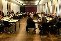 10 DEC 2003, BERLIN/GERMANY:<br /> Uebersicht Sitzungssaal, Sitzung des Vermittlungsausschusses, Rechts: Peer Steinbrueck, SPD, Ministerpraesident Nordrhein-Westfalen, Matthias Platzeck, SPD, Ministerpraesident Brandenburg, und Gernot Mittler, SPD, Finanzminister Rheinland-Pfalz, (v.L.n.R.), vor Beginn der Sitzung, Bundesrat<br /> IMAGE: 20031210-01-045<br /> KEYWORDS: Übersicht, Peer Steinbrück,