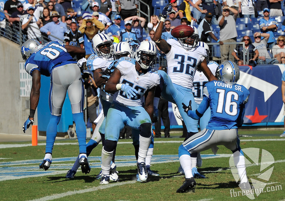 NASHVILLE, TN - SEPTEMBER 23:  Wide receiver Titus Young #16 of the Detroit Lions catches a batted down hail mary pass against the Tennessee Titans for the game tying score at LP Field on September 23, 2012 in Nashville, Tennessee.  (Photo by Frederick Breedon/Getty Images) *** Local Caption *** Titus Young